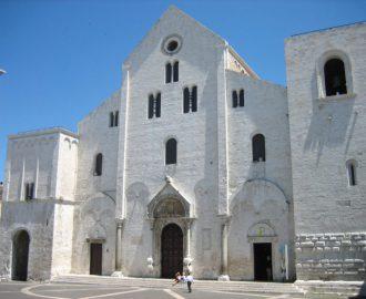 Базилика святого Николая, г. Бари, Италия